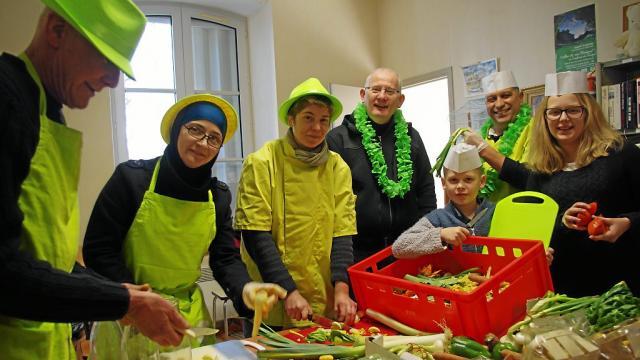 Les cuisiniers solidaires : la brigade au grand coeur