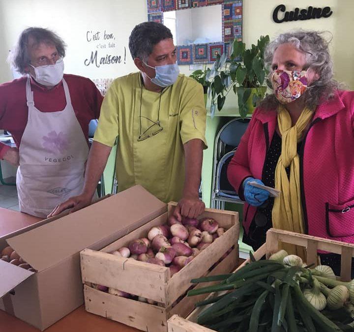 Irène la Tapie légumes et fruits offert pour notre dernière maraude en cette journée du 8mai